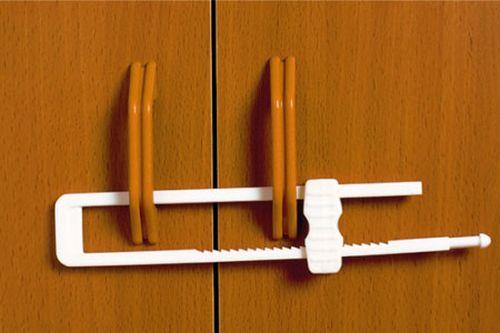Безопасность детей дома - блокиратор для шкафа