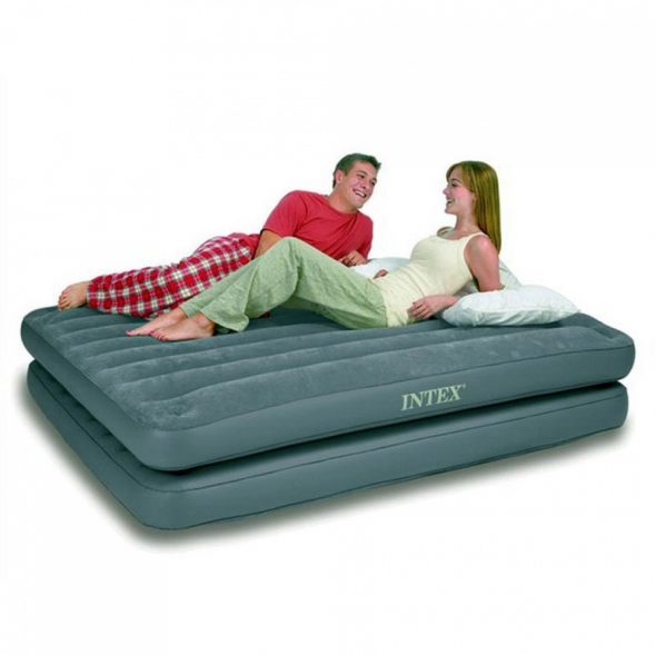 Надувные кровати от Intex - это дополнительное спальное место