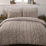 Покрывало на кровать вязаное