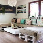 большой диван из паллетов