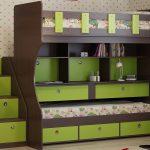 детская кроватка с ящиками