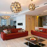 два красных дивана