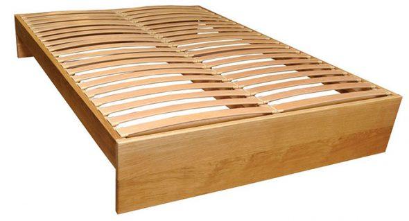 Двухспальная кровать с ламелями
