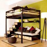 двухъярусная кровать для родителей и ребенка