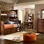 двухъярусная кровать из дерева классика