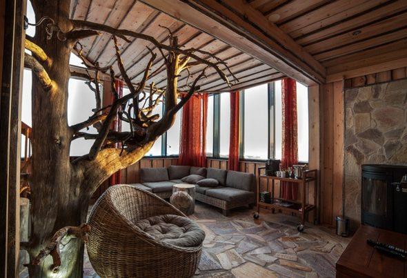 дизайнерская мебель из дерева в стиле кантри