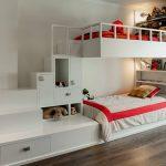 интересный дизайн двухуровневой кровати