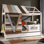 необычный дизайн домика кровати для детей