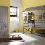 домик и кроватка для детских игр