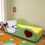 кровать с бортиком в виде котика