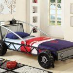необычная кровать машинка