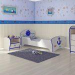 кровать с бортиками в морском стиле