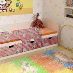кровать с бортиком в детскую комнату