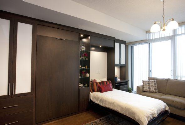 Откидная кровать для гостей