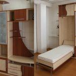 Откидная вертикальная кровать в шкафу в детской