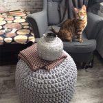 пуф вязаный с котиком