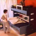 стол-кровать из бесплатного камня