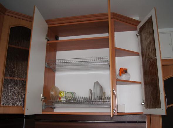 встроенная в гарнитур сушилка для посуды
