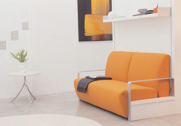 трансформер кровать-диван апельсинового цвета
