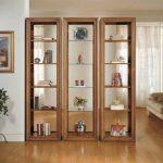 Книжный шкаф-перегородка из трех стеллажей