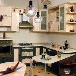 Кухонный гарнитур для маленькой кухни с фасадами из МДФ