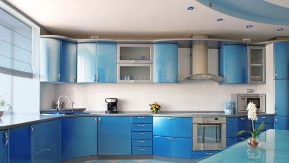 Кухонный гарнитур сине-голубого цвета