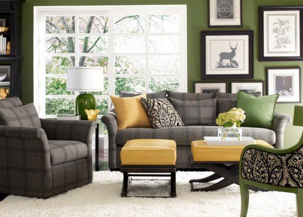 Серый диван в ярком интерьере