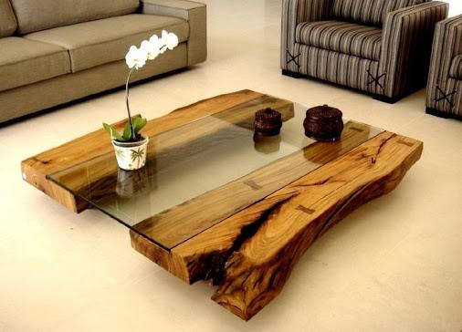 столик из дерева и стекла