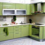 Угловой кухонный гарнитур для маленьких кухонь