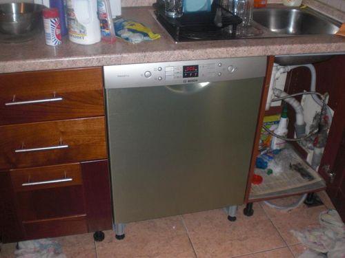 Установка двери посудомоечной машины