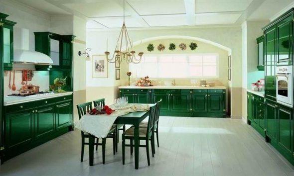 Варианты кухонных гарнитуров зеленого цвета