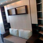 Встроенная кровать-диван в шкаф