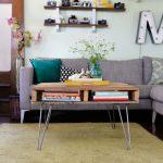 авторский деревянный журнальный столик