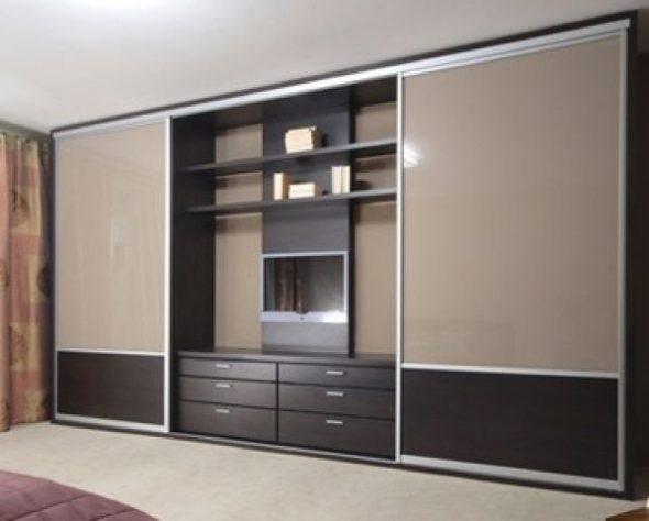 большой шкаф-купе в гостиную