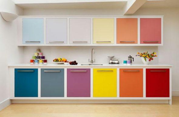 цветовой кухонный гарнитур