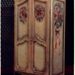 декорировать старый шкаф