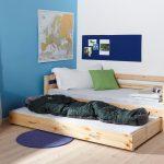 детская выдвижная кровать из дерева