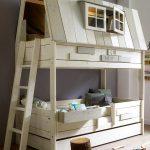 двухъярусная кровать дом