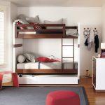 двухъярусная выдвижная кровать трехспальная