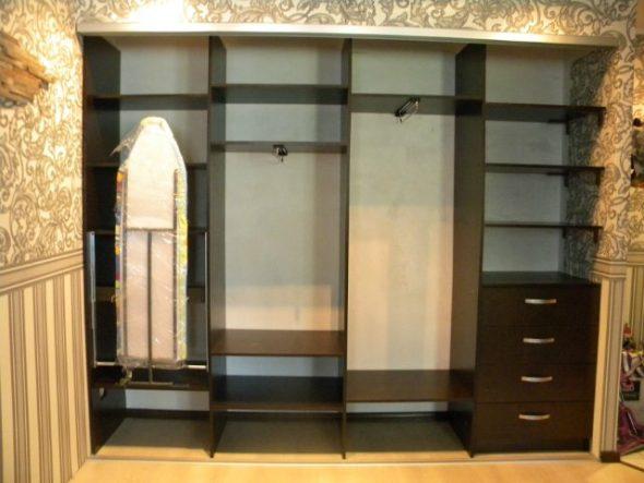 гладильная доска встроенная в шкафу