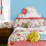 изголовье кровати детской