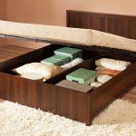 Шикарная кровать для загородного дома