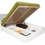 красивая кровать с подъемным механизмом