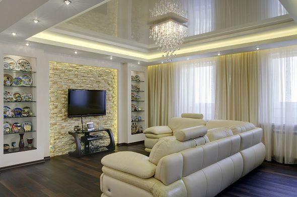 низкий потолок в гостиной