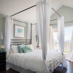 спальня 12 квадратов кровать с балдахином