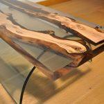 стол из срезов дерева