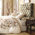 удобное изголовье кровати