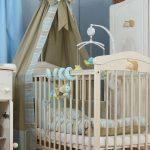 Балдахин на детскую кроватку из плотной ткани