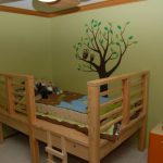 Детская кровать в виде дома на дереве