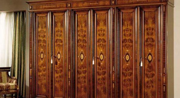 Двери с инкрустациями и росписью
